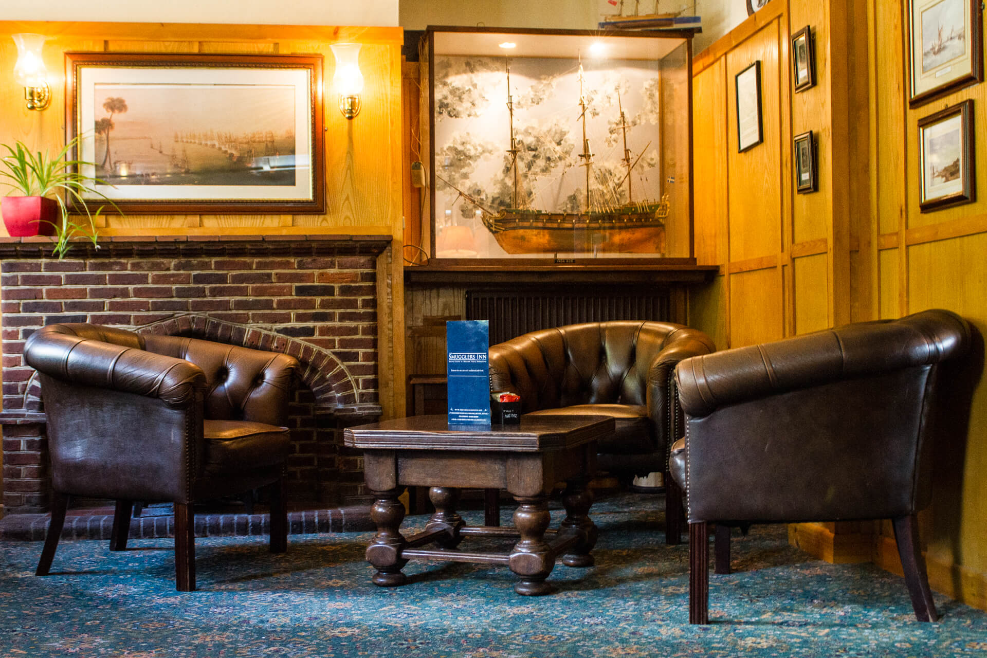The Smugglers Inn - Lounge Photo